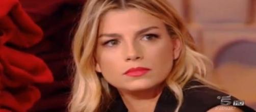 Gossip: Emma Marrone 'mollata' con una telefonata? Ecco da chi.