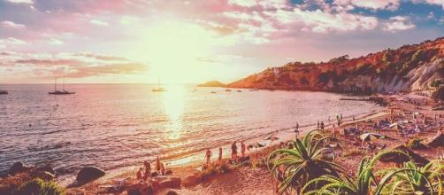 Ibiza Hen Weekend - Hen Dos, Nights & Ideas | Hen Heaven - henheaven.co.uk