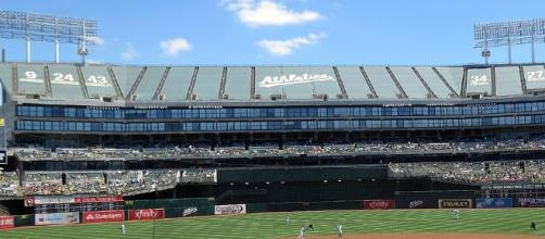 Oakland is still paying off money it borrowed to add 20,000 seats to its stadium to lure the Raiders in 1995. (Photo: redlegsfan21/Wikimedia Commons)