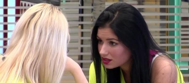 La cantante y monitora de Latin Fit, Krisha, animó a Daniela Blume