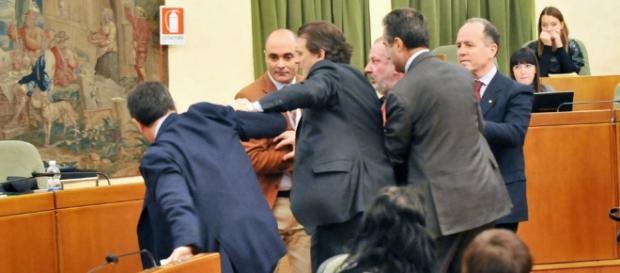 Rissa nell'Aula del Consiglio regionale del Piemonte il 26 novembre 2013