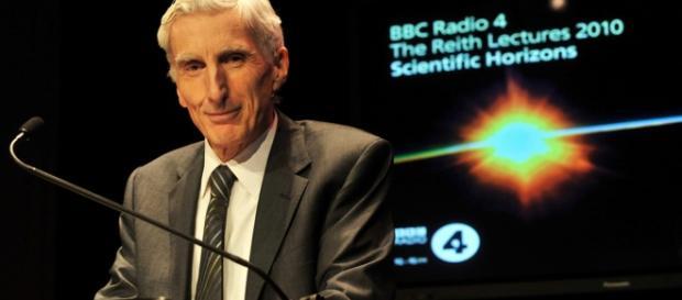 Sopra l'autorevole astronomo e cosmologo inglese Martin Rees