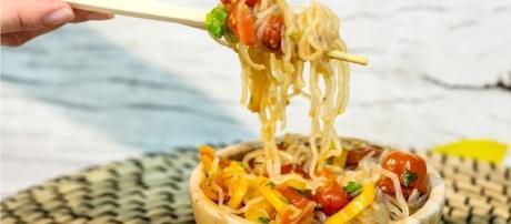 Shirataki di konjac, alghe marine, soia e pesce, per dimagrire e migliorare i parametri metabolici.