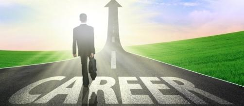 Daily careerscope for Aquarius - 5 Perks Of Career Advancement - comerecommended.com