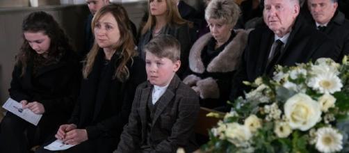 Emmerdale: Brave Laurel's funeral agony