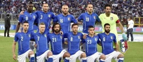 Nazionale italiana di calcio in una partita di qualificazione ai Mondiali.