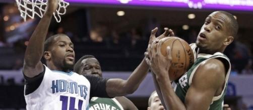 scores 26 points, Bucks beat Hornets 118-108 - tribtown.com