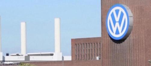 Volkswagen's $2.8 billion criminal penalty gets official approval ... - cbsnews
