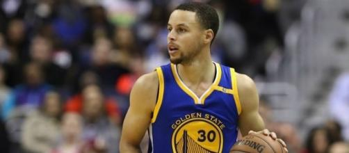 Warriors win eighth straight as they celebrate 60th victory ... - beinsports.com
