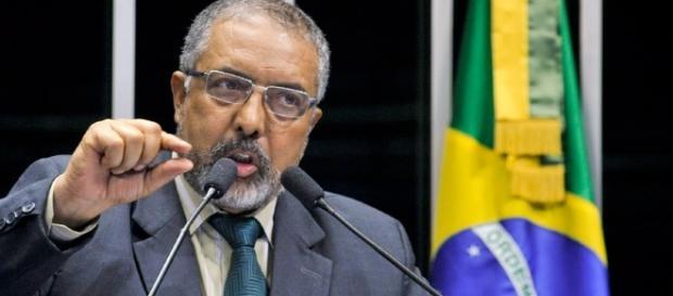 Sindicalistas querem a aprovação do relatório do senador Paulo Paim