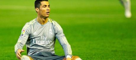 Real : Désespéré, Cristiano Ronaldo réclame l'aide du Barça ... - senepeople.com