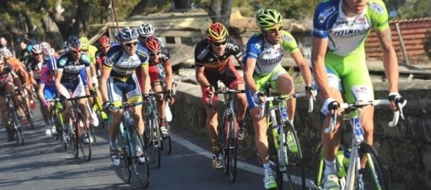 Ciclismo, calendario corse marzo 2017: Le Strade Bianche, poi Parigi-Nizza e Tirreno-Adriatico - foto lastampa.it
