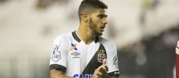 Henrique vem agradando treinador Cristovão Borges (Vasco.com.br)