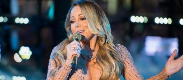 Mariah Carey's fans vent their disdain online after she suffers on ... - thesun.co.uk