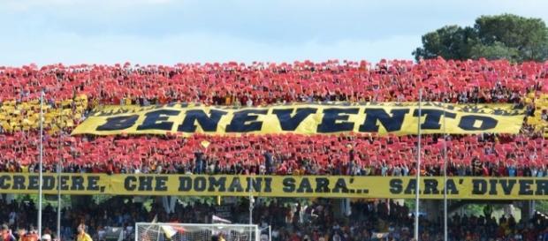Problemi per tredici tifosi del Benevento