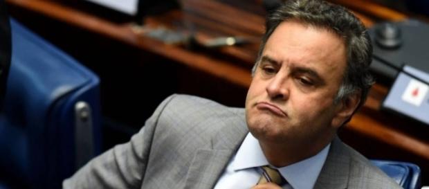 PT pede ao TSE que investigue doações de empreiteira para Aécio Neves