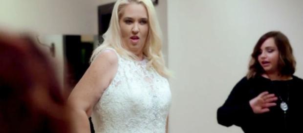 Source Youtube Wochti. Mama June looks like Kate Gosselin says Youtube watchers