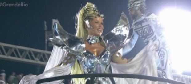 Xuxa revela mágoa com desprezo da Rede Globo