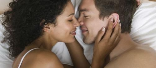 Veja coisas que podem ajudar a deixar um homem mais excitado