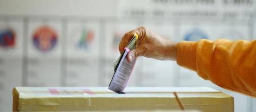 Legge elettorale, in Aula a inizio maggio. Strategie politiche e vitalizio