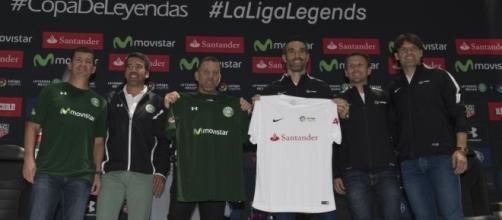 México Vs España con sus leyendas se enfrentan, este viernes 31 de marzo, en Toluca.