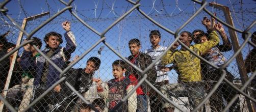Migranti, prima accoglienza minori non accompagnati a Lampedusa