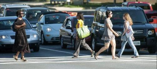 Pedestrian deaths increasing in the US - Moore Law Firm - moorelawfirm-al.com