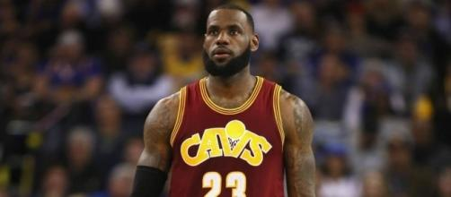 Photo: LeBron James. SportingNews.com (sourced via Blasting News)