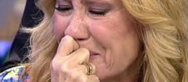 La ex colaboradora rota entre lágrimas
