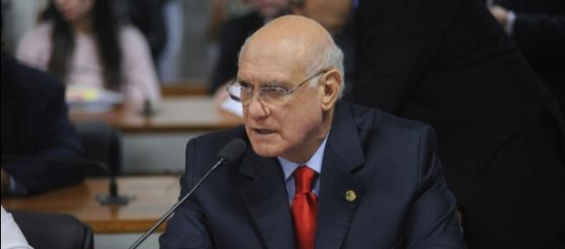 Senador Lasier Martins é denunciado por agressão contra sua esposa