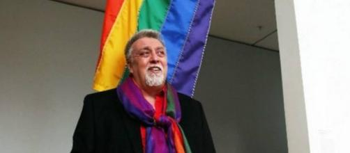 Criador da bandeira LGBT morre