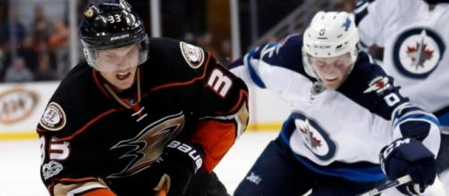 Ducks shut down Jets to pull away from Oilers in playoff race ... - cbc.ca