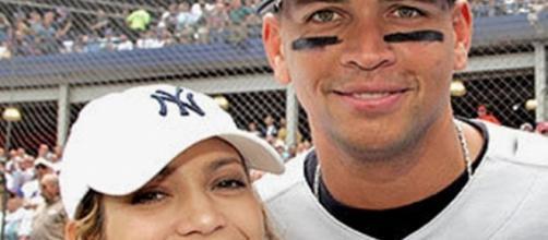 New Couple Jennifer Lopez and Alex Rodriguez ... - singersroom.com