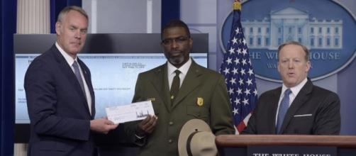 Trump donates first 3 months of salary to Park Service | Atlanta ... - wsbradio