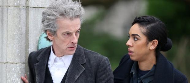 Doctor Who : Le Docteur prêt à faire découvrir son univers à Bill.