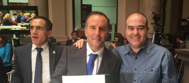 El polémico premio del Club de Periodistas de México para Esteban Arce - twitter.com