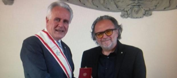 Eugenio Giani, presidente Consiglio Regionale Toscana e Alessandro Bertolazzi Oscar 2017 per il trucco del film Suicide Squad