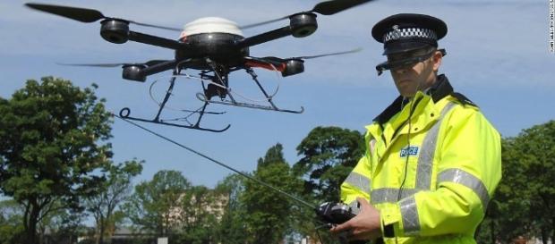 Gun drone appears legal in video, but FAA, police probe - CNN.com - cnn.com
