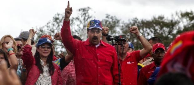 """Venezuela en el """"ojo del huracán"""" ante posible Golpe de Estado – Español - nytimes.com"""