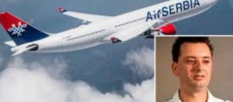 Jatkov nació a bordo de la aerolínea Jat Jugoslav Airlines actualmente AirSerbia