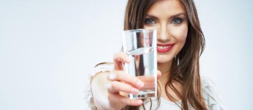 Dicas de como beber água em jejum