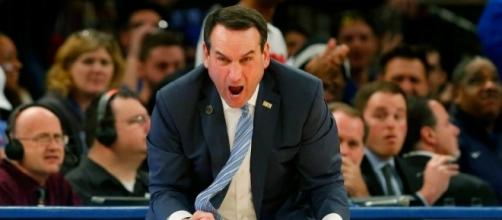 Duke Coach Mike Krzyzewski will try to guide his Blue Devils to an upset on Saturday night. [Image via Blasting News image library/inquisitr.com]