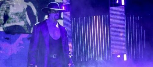 The Undertaker has been absent from WWE since his elimination from the 2017 Royal Rumble match. [Image via Blasting News image library/inquisitr.com]