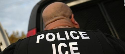 What immigrant advocates want you to do if ICE agents come to your ... - newsonahand.com