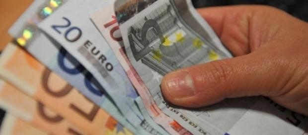 La situazione dei redditi in provincia di Lecce - foto businessonline.it
