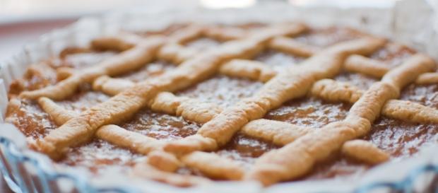 Una buonissima crostata di albicocche. Foto di wikipedia.it