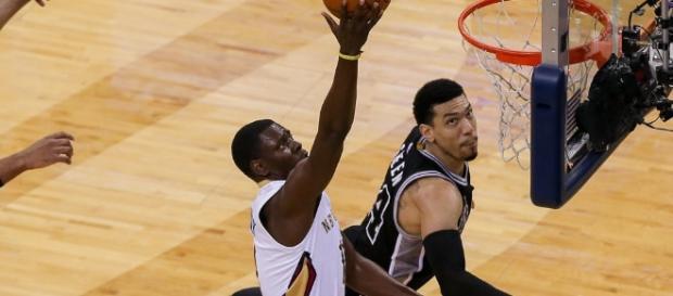 Vice-líder, o San Antonio Spurs conquistou a sexta vitória consecutiva