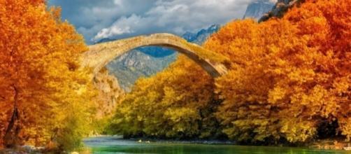 As famosas pontes de pedra em Zagorochoria