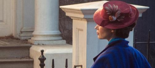 First look: Emily Blunt brings the magical Mary Poppins back after ... - hindustantimes.com