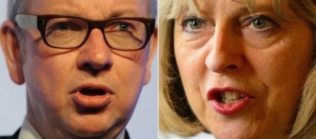 Parlamentarul conservator Michael Gove și premierul Theresa May